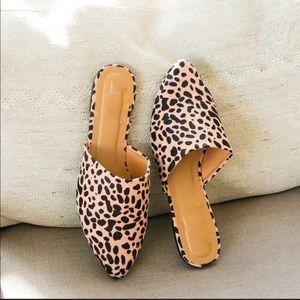 Shoes - 5⭐️TAN LEOPARD SUEDE MULES SLIP-ON SHOES